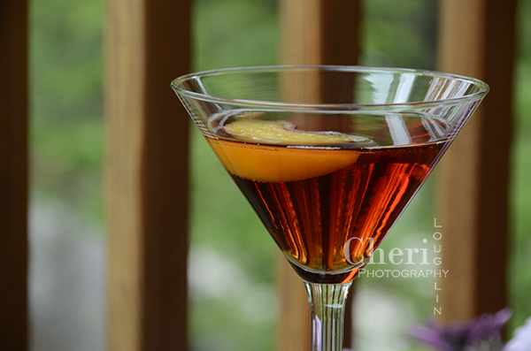 Scarlet Sunset Cocktail - Barefoot Wine & Bubbly Pink Moscato Bubbly, Jager Herbal Liqueur, Peach Schnapps, Cranberry Juice Cocktail, Peach Garnish